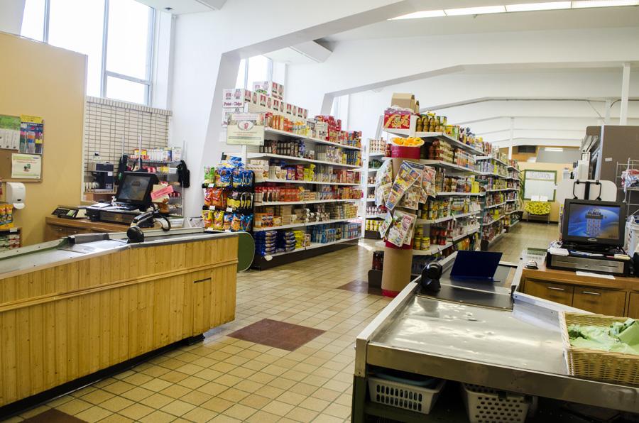 <p>Caisses de l'épicerie communautaire La Recette</p>